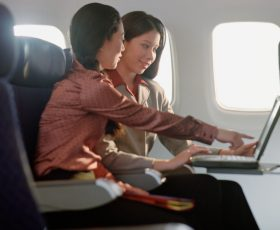 Airplane WiFi – Secure surfing or danger for onboard electronics?